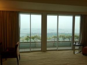 グアムのナマコみたいに船でいっぱいなシンガポールの海